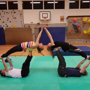 Offenes Acrobatic Yoga Training